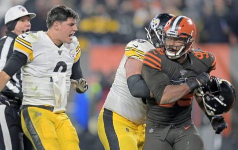 Mason Rudolph Gets Attacked By Own Helmet